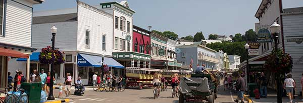 downtown-mackinac-island-2-600x205